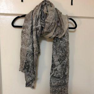 Shimmery scarf/shawl